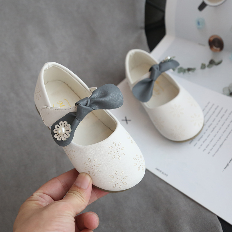 Kids Shoes Comfortable Soft Bottom Carved Bow Girl Shoes